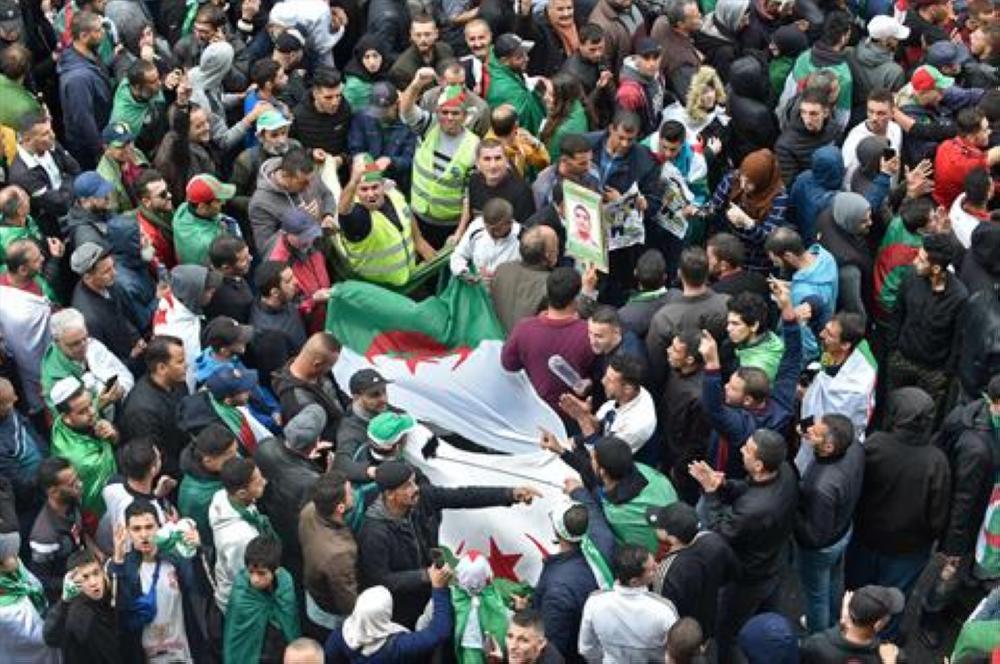 احتجاجات في الجزائر رفضا للانتخابات الرئاسية
