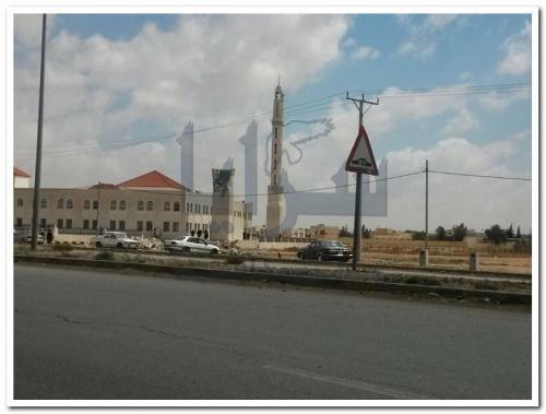 بالفيديو .. الكرك : لحظة انهيار المئذنة الثانية لمسجد محمد بن عائض بالقطرانة