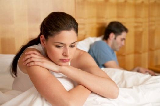 6 أسباب لتوقف الرجل عن الحديث مع زوجته