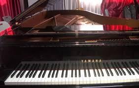 شاهد ..  بعد سنوات من الحروب ..  نجاة أكبر بيانو في غزة