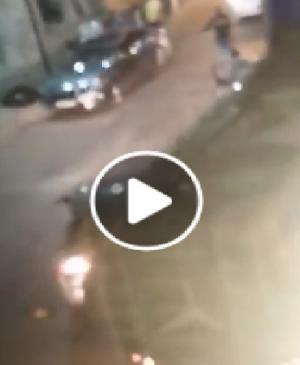 """فيديو مشاجرة """"السواطير """" يثير مواقع التواصل الاجتماعي  .. الامن لسرايا : لم نتقلى بلاغ"""