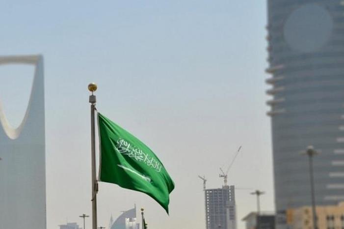 السعودية تعلن توفير لقاح كورونا لكافة المواطنين والمقيمين مجاناً