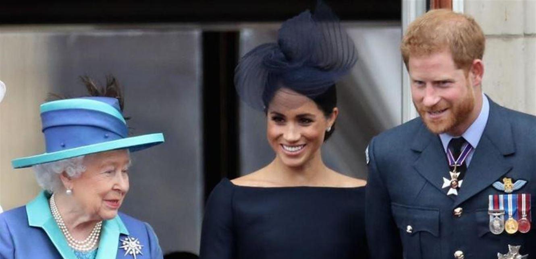 على خطى ديانا  ..  الملكة اليزابيت تجرّد هاري و ميغان من لقبهما