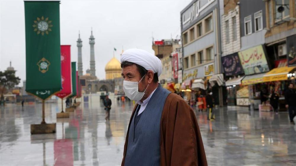 إيران تسجل 221 وفاة جديدة بفيروس كورونا