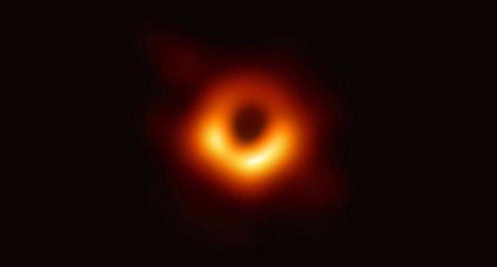 الثقوب السوداء ..  علماء الفلك يطلبون مساعدة الجمهور