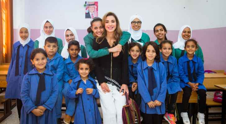 الملكة رانيا تشارك في احتفال بمدرسة منشية حسبان الثانوية المختلطة بناعور