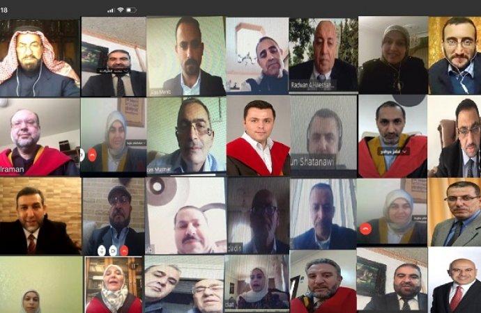 """""""الأردنية"""": مناقشة ما يزيد عن 220 رسالة وأطروحة عبر وسائل التواصل المرئية"""