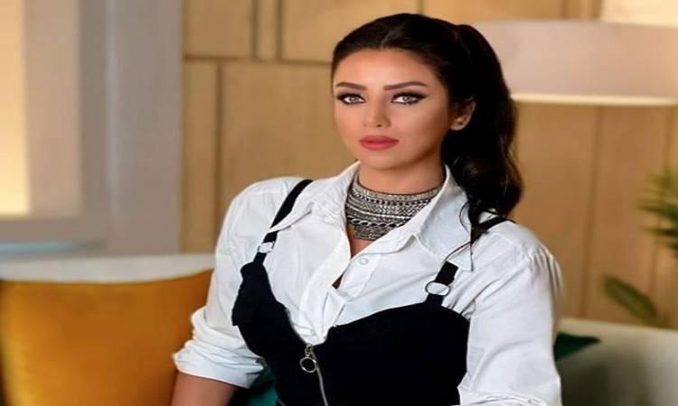 فستان أسود وشمعة  ..  رضوى الشربينى تبهر جمهورها فى أحدث ظهور