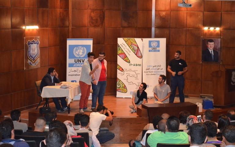 """فعاليات """"كرفان التطوع""""  في جامعة عمان الأهلية"""