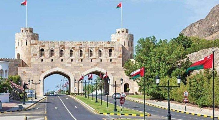 سلطنة عُمان تقرر تمديد إغلاق المنافذ البرية لمدة أسبوع آخر