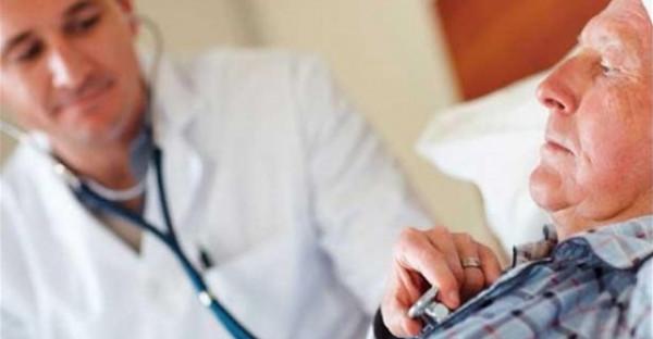 هل ينقض وضوء الطبيب إذا مس عورة المريض أثناء الكشف