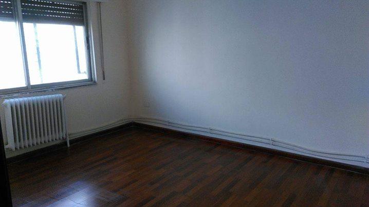 شقة للبيع خلف شارع عبدالله غوشة
