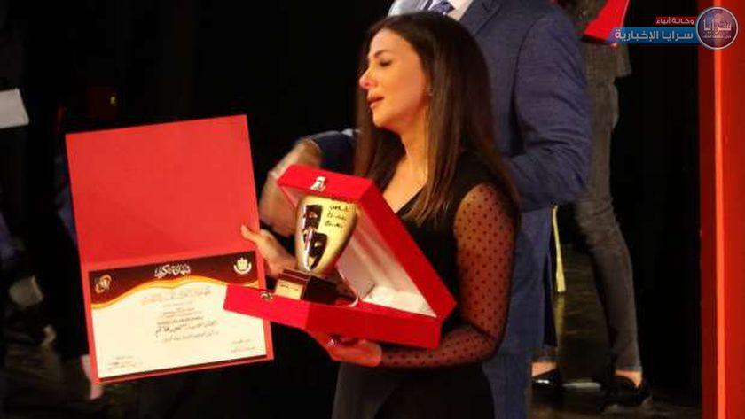 """شاهد أول ظهور لـ دنيا سمير غانم بعد وفاة والديها  """"فيديو وصور """""""