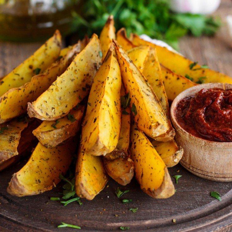 بطاطس مشوية مع جبن البارميزان