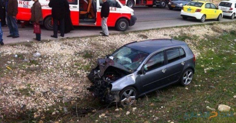 4 إصابات بحادث تصادم مركبتين على جسر النعيمة في اربد