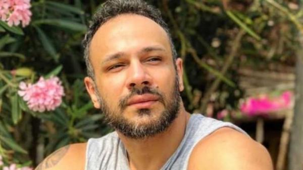اتصل بـ25 فنانة لبنانية  ..  الفنان محمد عطية ينشر رقم منتحل شخصيته