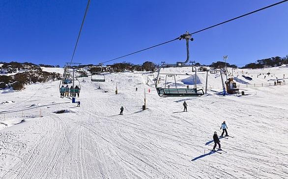 بالصور  ..  أغرب منتجعات التزلج حول العالم