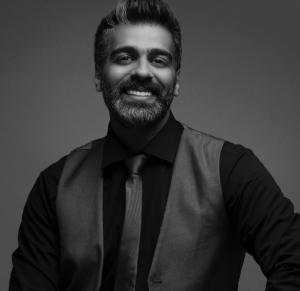 الفنان الكويتي نواف العلي لسرايا: ليس لدي خلافات في الوسط الفني ..  وزوجتي هبة الدري أهم مني