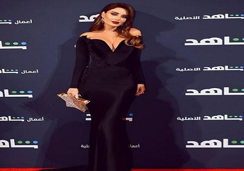 """إعلامية لسيرين عبد النور: """"الفستان متأكدة مو شاريته من لانجري؟"""""""