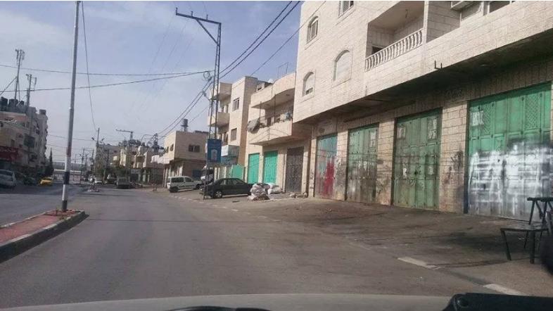 بدء إضراب عام يشل الضفة الغربية تضامناً مع المعتقلين