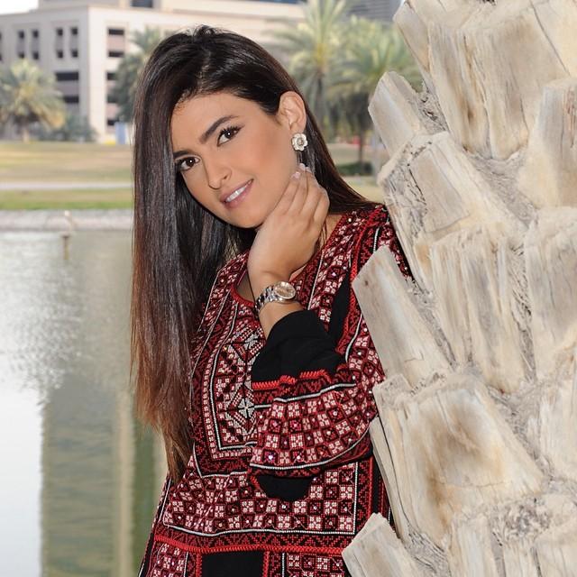 بالفيديو والصور  ..  علا الفارس بإطلالة جميلة من تونس