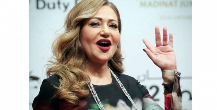 """هكذا تبدو الفنّانة المصريّة """"ليلى علوي"""" بدون مكياج!"""