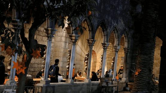 كنيسة في برشلونة تفتح أبوابها أمام المسلمين لتناول الإفطار