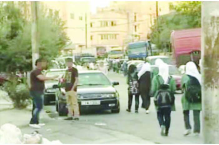 """الأمن لـ""""سرايا"""": """"حملة"""" على """"المتسكعين"""" أمام مدارس الإناث في عمان"""