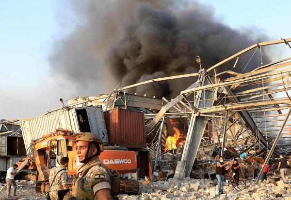 البيت الأبيض: أمريكا تتابع انفجار بيروت عن كثب