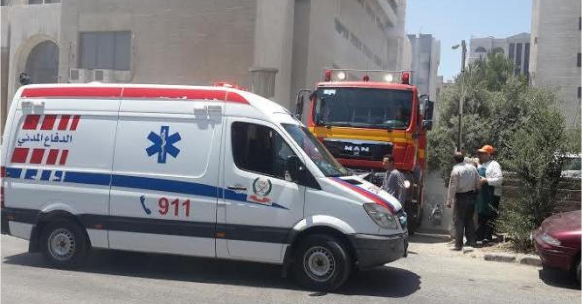 سرعة استجابة كوادر الدفاع المدني تنقذ عامل وافد من الوفاة إثر انهيار غرفه