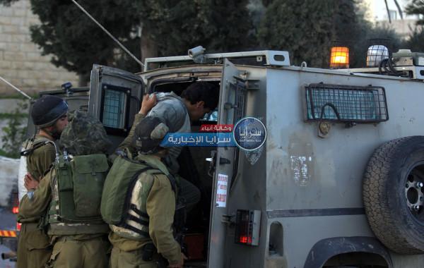 الاحتلال يعتقل ثلاثة شبان جنوب نابلس
