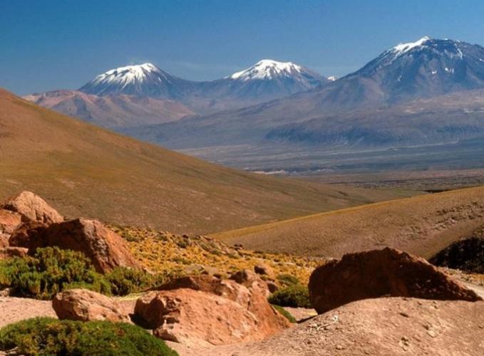 بالصور: أشهر 10 أماكن سياحية عجيبة في العالم