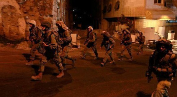 قوات الاحتلال تداهم محافظات الضفة الغربية وتعتقل 15 فلسطينيا