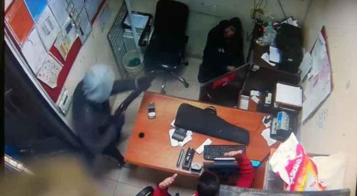 سطو مسلح على مكتب بريد صويلح و سرقة قاصة بداخلها (20) الف دينار