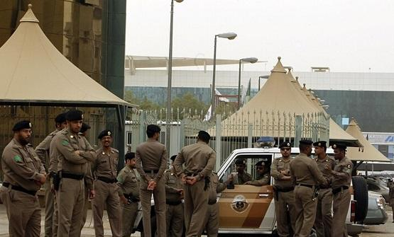عصابة انتحلت صفة رجال أمن وسرقت مليوني ريال بالسعودية