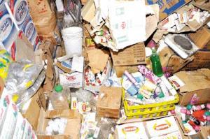 مأدبا : إتلاف 150 كغم من المواد الغذائية المنتهية الصلاحية  وإغلاق مقهيين