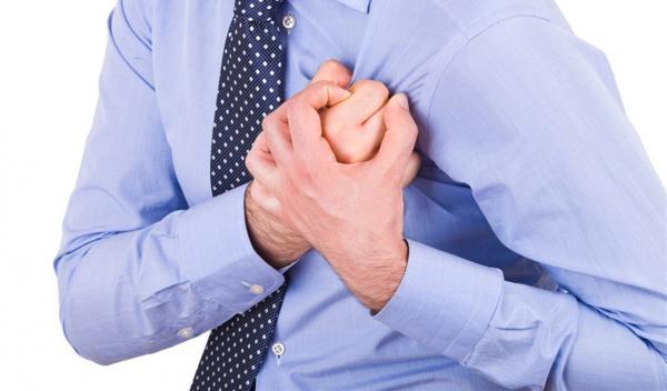 علامات في الأيدي تحذر من الإصابة بنوبة قلبية