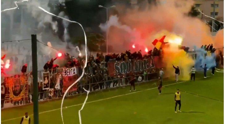 جمهور الترجي يحتفل بالفريق على طريقته الخاصة ..  فيديو