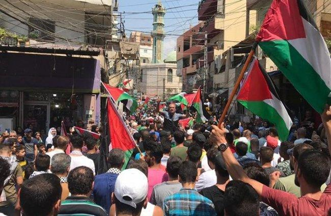 المظاهرات تتواصل في المخيمات الفلسطينية ضد قرار وزير العمل اللبناني