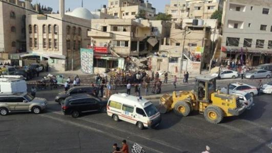 عمان: وفاة عامل مصري بانهيار حفريات لتمديدات صحية في ناعور