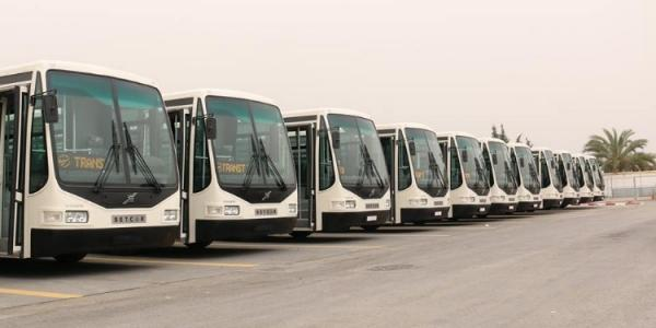 الرزاز يطلق 65 حافلة جديدة في عمان