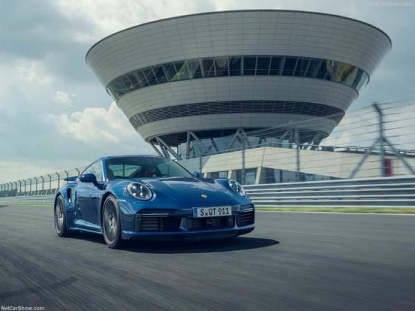 بالصور  ..  بورش تطلق 911 Turbo الجديدة بسعر عالمي