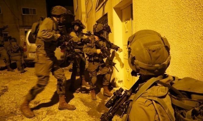 اعتقالات تطال 22 شخصاً في محافظات الضفة