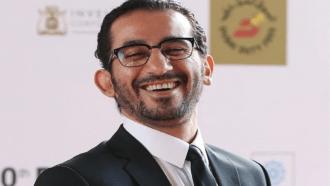 أحمد حلمي يعود للمسرح بعد غياب 20 عاما