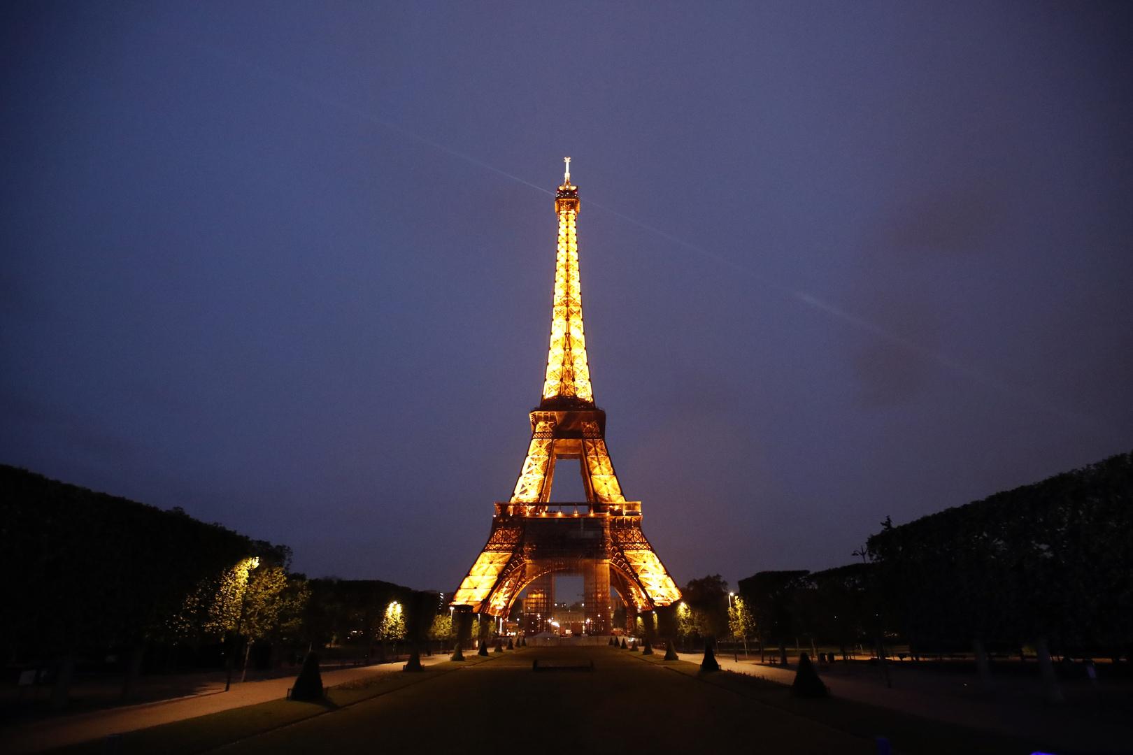 فرنسا تعلن شرطا لاستقبال السياح