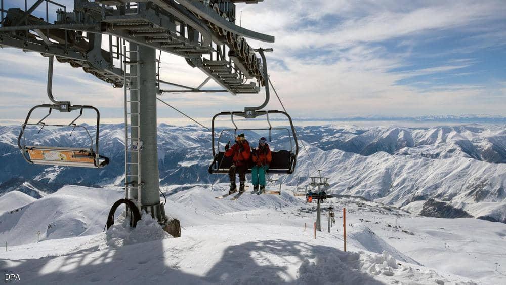 حادث مرعب يزيد من إقبال السياح على منتجع للتزلج