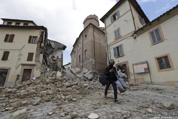 زلزال عنيف يضرب إيطاليا بقوة image.php?token=3654ed6a5352e6a23f18aafff86cf57e&size=