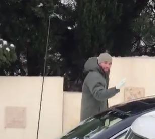 بالفيديو  ..  الأمير هاشم بن الحسين يشارك الأردنيين طقوسهم بالثلج