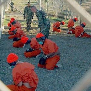 """الإفراج عن السعودي حارس """"ابن لادن"""" بعد 13 عاماً في سجن """"غوانتانامو"""""""