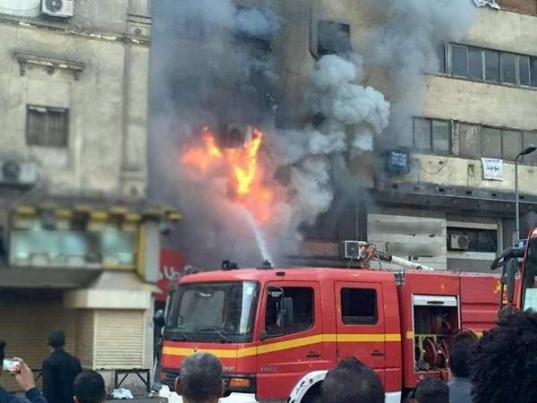 إطفائية بلدية الخليل تسيطر على حريقين منفصلين نشبا في الخليل
